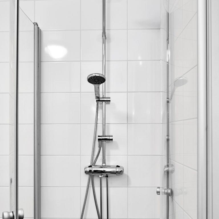 AffärsHem Dusch, med glasdörrar